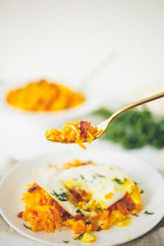 Butternut Squash Breakfast Rissotto with Fried Egg and Bacon | 20 Sweet and Savory Recipes for a Fall Inspired Breakfast | The Everygirl