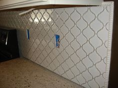 Cheaper alternative to the beveled arabesque tile. Mosaic Backsplash, Kitchen Backsplash, Backsplash Ideas, Tile Ideas, Arabesque Tile, Tile Edge, Updated Kitchen, Kitchen Updates, Home Upgrades