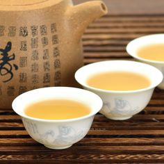 Fengqing Paddy Flavor Raw Pu-erh Cake Tea 2013. Mouthfeel: well-balanced smooth taste, tangy characteristic at first three to five steeps, astringent taste stays longer on the tongue, sweetish and mouth-watering afterwards. Learn more>>>http://www.teavivre.com/paddy-flavor-raw-puerh-cake-tea/