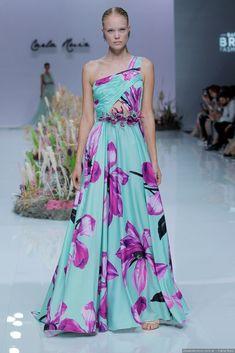 (notitle) All things floral Chiffon Floral, Dress Me Up, I Dress, Vogue Fashion, Fashion Show, Couture Dresses, Fashion Dresses, Floral Fashion, Formal Wear