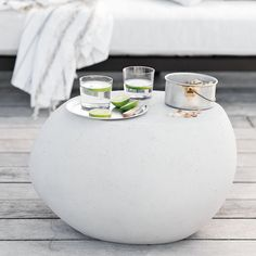 Lovely pebble side table