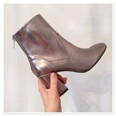 #metallic #love!! @newlookfashion #boots #grey #silver #shiny #shineyshoes #metallicboots #shoes #shoejunkie #booties #shopaholic #fashion #fashionista #fblogger #flog #instablog #spoiltfeet #newboots #newlook #pearlsandvagabonds