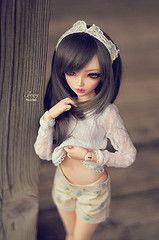 Thank you for the new outfit! (Eludys) Tags: doll chloe bjd fairyland mnf minifee eludys