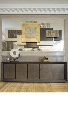 LUXURY ENTRYWAY | modern furniture and artwork | bocadolobo.com/ #modernentryway #entrywayideas
