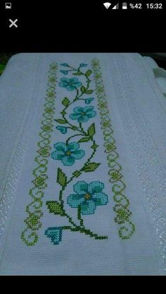 This Pin was discovered by Eme Celtic Cross Stitch, Cross Stitch Beginner, Cross Stitch Letters, Just Cross Stitch, Cross Stitch Bookmarks, Cross Stitch Art, Cross Stitch Borders, Cross Stitch Samplers, Modern Cross Stitch