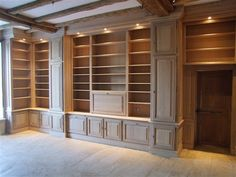 Home Library Rooms, Home Library Design, Home Libraries, House Design, Bookshelf Design, Built In Bookcase, Classic Interior, Home Office Decor, Interior Design Kitchen