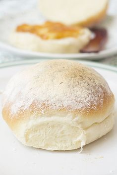 Biscuit Bread, Pan Bread, Frango Bacon, Bread Recipes, Cooking Recipes, Decadent Cakes, Pan Dulce, Dinner Rolls, Sweet Recipes