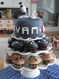 Wall-e Cake and Cupcakes by sugarcrushmiami