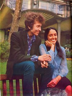 Bob Dylan, Joan Baez, love this colorful picture!