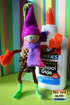 Pink and Green Mama: Homemade Christmas Crafts: Pine Cone Elves
