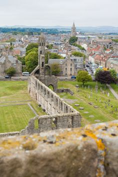 St. Andrews | Fife in Scotland is such a beautiful place to visit and travel around! Here are all the different places to go from St. Andrews to Culross and more. #fife #fifescotland #scotlandtravel #standrews #scotland #fifetravel