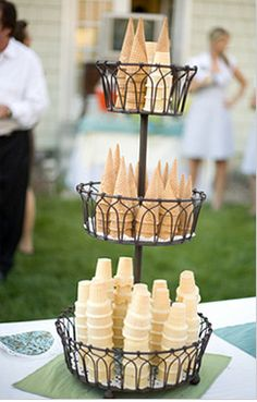 Summer Wedding Ideas How fun! An ice cream bar! This would be perfect for an outside wedding between the ceremony and dinner! I sure wouldn't complain if I went to a wedding and had this! - A sweet round-up of ideas for an Ice Cream Party. My Big Fat Gypsy Wedding, Bar A Bonbon, Mantecaditos, Ice Cream Social, Festa Party, Party Party, Party Time, Snacks Für Party, Parties Food