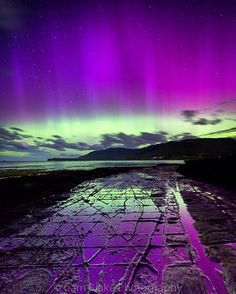These have to be the best Christmas Lights display in @australia - The beautiful Aurora Australis put on a Christmas show the beat all others at the Tessellated Pavement, Tasmania (Tasman Peninsula)