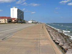 Galveston, TX. The Galveston Seawall is 7 miles long and 17 feet high - Texas... Made many trips down the sea wall