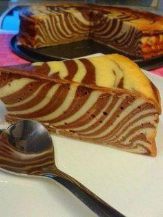 Das perfekte Zebra Käsekuchen ohne Boden-Rezept mit Bild und einfacher Schritt-für-Schritt-Anleitung: Den Quark mit Zucker, Eier, Frischkäse, Öl und dem…