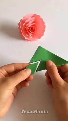 Amazing Paper Crafts For Kids and Adults. - Amazing Paper Crafts For Kids and Adults. Cool Paper Crafts for…. Diy Crafts Hacks, Diy Crafts For Gifts, Diy Arts And Crafts, Crafts To Do, Creative Crafts, Easy Crafts, Arts And Crafts For Adults, Handmade Crafts, Paper Crafts Origami
