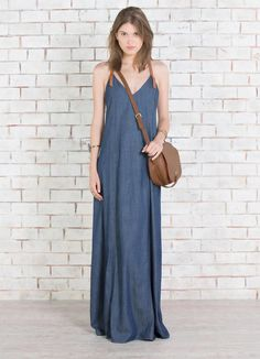 VESTIDO JEANS LONGO COM COURO Maxi Outfits, Fashion Outfits, Fasion, Demin Dress, Plus Size Looks, Casual Summer Dresses, Dress Casual, Love Jeans, Everyday Dresses