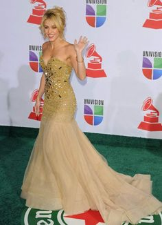 Shakira @ Latin Grammys Award 2011 - Amato Haute Couture