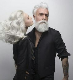 Alessandro Manfredini is the epitome of grey hair goals! Look at his stunning mane. Grey Hair, White Hair, Beautiful Men, Beautiful People, Grey Beards, Awesome Beards, Advanced Style, Beard No Mustache, Aging Gracefully