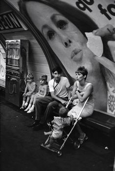 Paris 1968   A metro station  - Photo: Henri Cartier-Bresson
