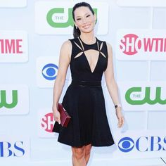 Lucy Liu in a J. Celebrity Look, Celebrity Pictures, Fall Tv, Lucy Liu, Boutique Design, Beautiful Celebrities, Beautiful Women, Pretty Dresses, Fit Women