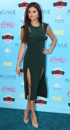 Selena Gomez - Teen Choice Awards 2013 Red Carpet
