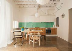 En la cocina de una vivienda de Nook Arquitects | tránsito inicial