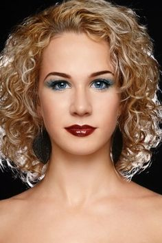 #Wavy, #curly hair style. Simple yet elegant