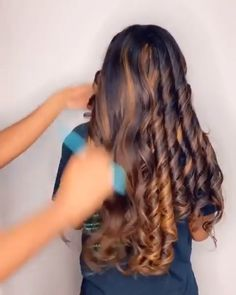 videos cabello tattoo shops and piercing - Tattoos And Body Art Curly Hair Styles, Natural Hair Styles, Hair Styles Weave, Natural Hair Weaves, Pretty Hairstyles, Braided Hairstyles, Sew In Hairstyles, Crotchet Braids Hairstyles, Birthday Hairstyles