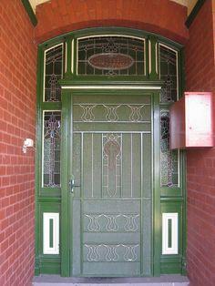 Green door in Korumburra, Australia~