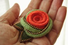 Felt and zipper Eternity knot and wool rose by woollyfabulous,