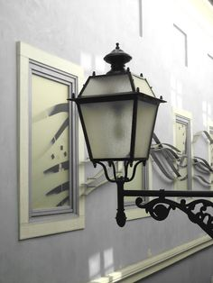 the old street lamp...