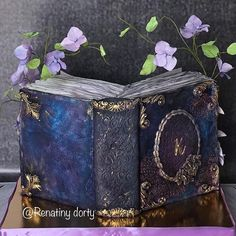 Unread book by Renatiny dorty Book Cakes, Book Girl, Cake Art, Disney Art, Decorative Boxes, Flower Cakes, Books, Party Stuff, Daily Inspiration