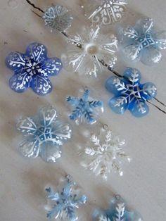 Creative Ideas - DIY Plastic Bottle Christmas Tree 7