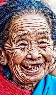 32 Photos of Old People Thatll Make You Want to Take Care of Yourself - People Photos - Ideas of People Photos - 32 Photos of Old People Thatll Make You Want to Take Care of Yourself Wow Gallery Old Faces, Face Reference, Amazing Pics, Awesome, Interesting Faces, Drawing People, People Around The World, Old Women, Belle Photo