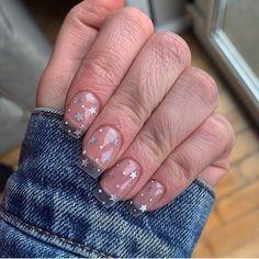 cutesttttt holiday nails just fell in love with totally clear nails again the…. cutesttttt holiday nails just fell in love with totally clear nails again the….,Dreams 🙂 cutesttttt holiday nails just fell in love. Clear Glitter Nails, Clear Acrylic Nails, Acrylic Nail Designs, Clear Nail Designs, Clear Nails With Design, Polygel Nails, Star Nails, Pink Nails, Fancy Nails