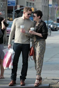 Ginnifer Goodwin and Josh Dallas... aka Snow White and Prince Charming... Are officially engaged!!! This probably shouldn't make me excited, but it DOES!!!