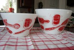 Fabulous Fire King mixing bowls.
