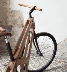 Bois et Cuir par Damien Beal - designer artisan français - création design vintage vélo bike en bois - sac fashion cuir et bois mode homme