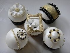 Luxe Collection - by Truly Madly Sweetly Cupcakes @ CakesDecor.com - cake decorating website❤ ❤ ❤