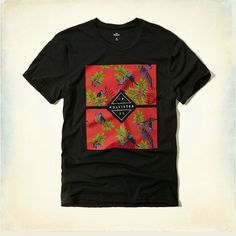 Hollister XL Men Graphic T Shirt Graphic hollister t shirt is brand new with tags still attached!:) Hollister Tops Tees - Short Sleeve