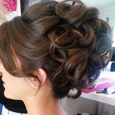 The color – – The color hair models shinion – Hair Models-Hair Styles Hairdo Wedding, Elegant Wedding Hair, Wedding Hairstyles For Long Hair, Bride Hairstyles, Bridal Hair Buns, Wedding Hair And Makeup, Hair Makeup, Quince Hairstyles, Medium Hair Styles