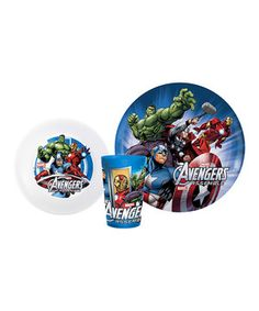 Food's more fun with superheroes! This cool set comes with all of the essentials needed to chow down. Each piece is durable and dishwasher safe, which makes mealtime a little easier on everyone.