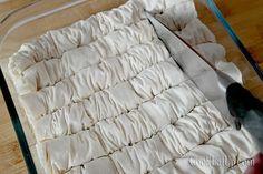 saragli-9 Greek Desserts, Greek Recipes, Cookbook Recipes, Dessert Recipes, Cooking Recipes, Greek Pastries, Mom In Heaven, How To Make Bread, Bread Making