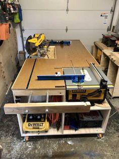 All in one workbench Garage Workbench Plans, Workbench Designs, Diy Workbench, Garage Tools, Woodworking Shop Layout, Woodworking Bench Plans, Woodworking Projects Diy, Garage Workshop Organization, Diy Garage Storage