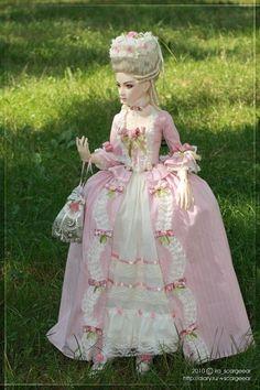 Resultado de imagem para bonecos de maria antonieta