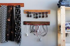 These bungee cord hangers are perfect for all those sunglasses I have, from Brit and Co.