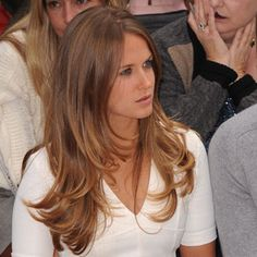 Get the look: Kim Sears' Wimbledon blow dry - Hair Products Elle Macpherson, Caramel Hair, Caramel Brown, Corte Y Color, Long Layered Hair, Light Brown Hair, Super Hair, Looks Style, Great Hair