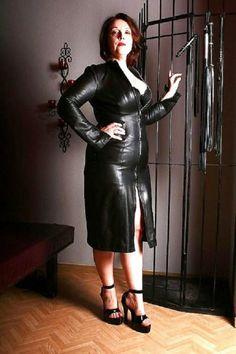 Строгая госпожа в эротическом наряде фото, как сексуально одеваться фото