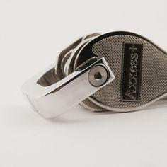 shackle 22 is a #titanium key carry on #kickstarter now! #modern #moderndesign #minimal #minimalism #minimalist #simple #luxury #design #productdesign #industrialdesign #everydaycarry #edc #blade #blades #tactical #gear #paracord #carbonfiber